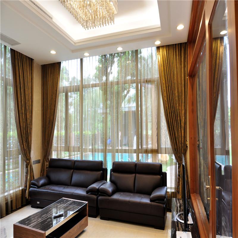 巴比亚别墅客厅窗帘