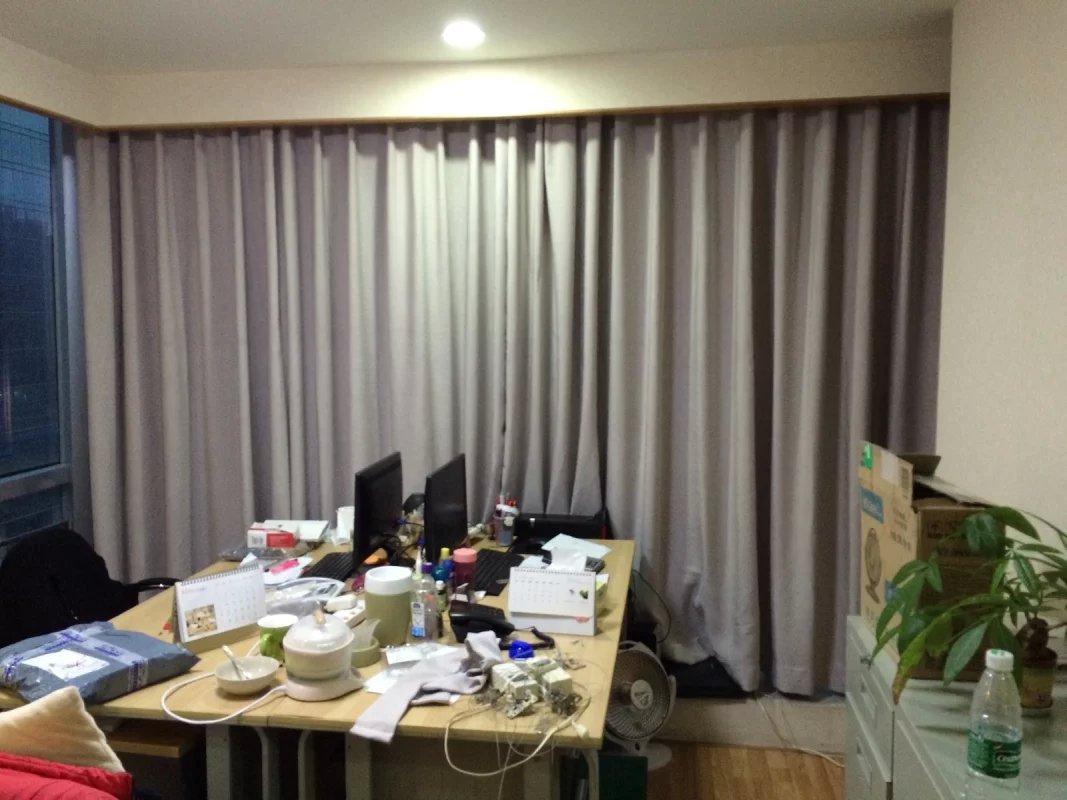 深圳遮光窗帘定做哪种更好 亚麻窗帘 印花遮光窗帘布 涂银遮光窗帘