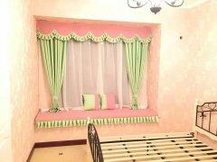 嫩绿拼粉红雪尼尔窗帘打造小清新